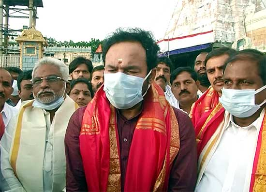 AP News: తిరుమల శ్రీవారి సేవలో పలువురు ప్రముఖులు